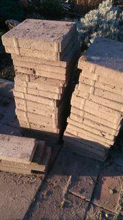 Pflastersteine aus Beton grau