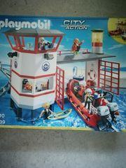 Verschiedenes Playmobil sowie Brettspiele