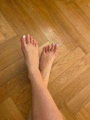 Geile Fußbilder Sockenbilder oder duftende