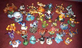 Skylander viele Figuren mit Spiel: Kleinanzeigen aus Lorsch - Rubrik PlayStation Sonstiges