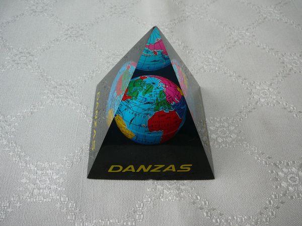 Verkaufe Danzas Pyramide Weltkugel Erde