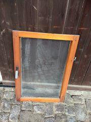 Fenster aus Holz gut erhalten