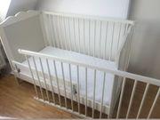 Babybett mit Himmel