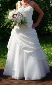 Zauberhaftes Brautkleid Gr 40 mit