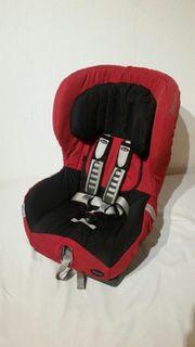 Römer Kindersitz mit zwei Bezügen