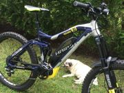 E-Bike Yamaha 500Wh silber blau
