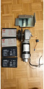 Leistungsstarker Motor mit 4 Batterien