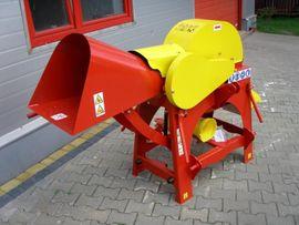 Traktoren, Landwirtschaftliche Fahrzeuge - Häcksler Schredder füt Traktor R-15