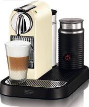 Nespresso Kaffeemaschine mit Milchschäumer und