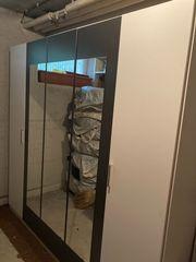 Kleiderschrank mit Spiegel - Gebrauchter Zustand