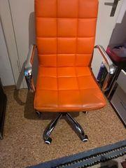 Bürostuhl Orange nur kurz in