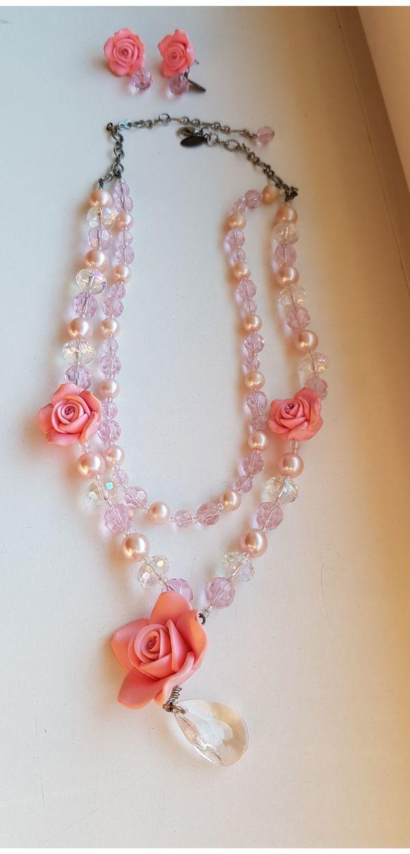 romantisches Collier mit passenden Ohrsteckern