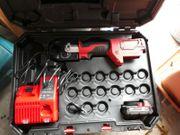 Werkzeug Milwaukee Hydraulisches Akku Presswerkzeug