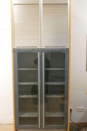Bulthaup Geschirrschrank mit grauen Glastüren