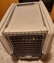 Hundebox Flugbox auf Rollen