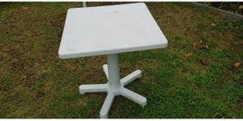 BalkonTisch mit Stühlen: Kleinanzeigen aus Mannheim Luzenberg - Rubrik Gartenmöbel