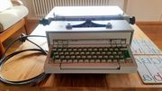 Olivetti Schreibmaschine Praxis 48