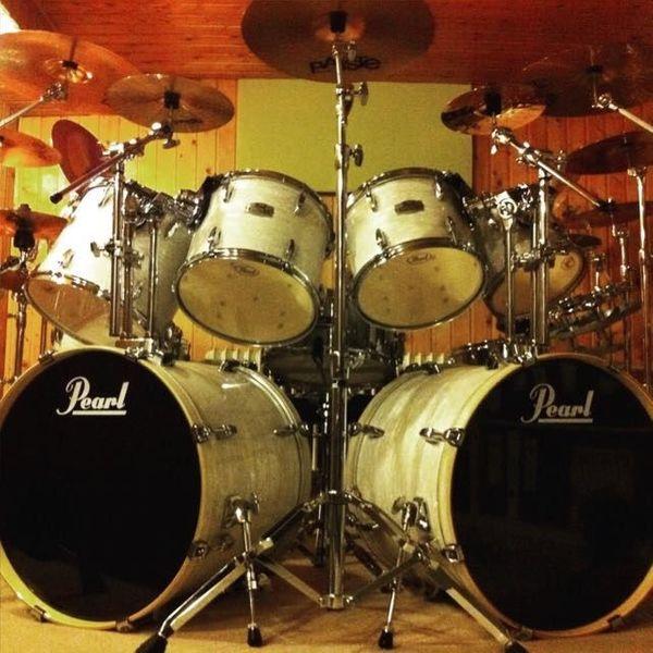Rock-Schlagzeuger Drummer 50 J aus