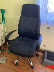 2 Bürostühle mit Armlehnen und