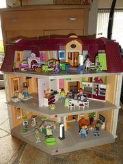 Playmobil Puppenhaus mit viel Zubehör