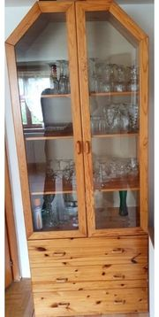 Glasvitrinenschrank Echtholz m 3 Schubladen