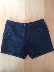 schwarze Hotpants H M