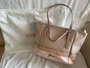 schicke Tasche von Guess - sehr