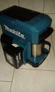 Makita Akku Kaffemaschine DCM501Z mit