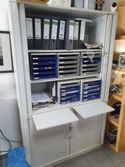 Büroschrank Aktenschrank lichtgrau mit Ablagen