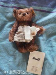 Kleine Steiff Teddy mit Tasse