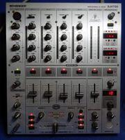 MISCHPULT Behringer DJX700 MIXER DJ