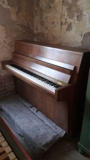 Piano Klavier von A Grand