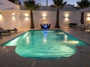 Moderne vollklimatisierte Villa mit Pool