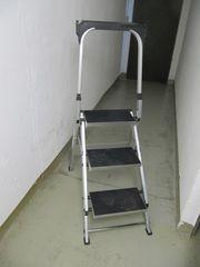 Klapp-Treppe mit Gummibelag und Bügel