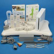 Nintendo Wii Konsole mit viel