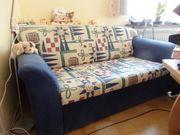 2-Sitzer- Schlafcouch Blau gemustert mit