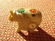 Kleiner Elefant aus Speckstein und