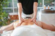 4 Hand-Massage von Mann zu