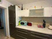 Einbauküche mit Alle Elektrogeräten von