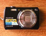 FUJIFILM F200 EXR Digitalkamera