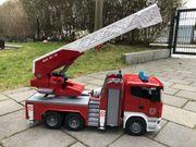 Kinderspielzeug Feuerwehrleiterwagen von bruder