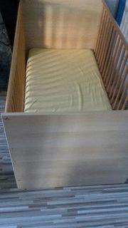 Bett oder Laufstall mit Matratze