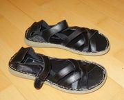 NEU schwarze Sandalen Größe 39