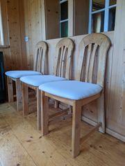 Stühle aus massivem Holz 6