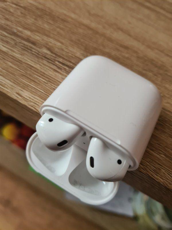 Apple Airpods 2 Gen 1
