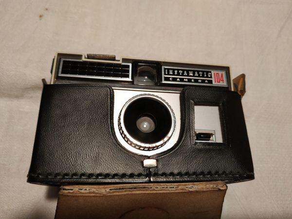 Kodak Instamatic mit Tasche