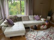 Moderne neuwertige Couch in Leder