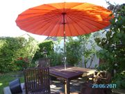 Holzgartenstühle Tisch