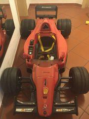 Spielzeug- Elektroauto Ferrari