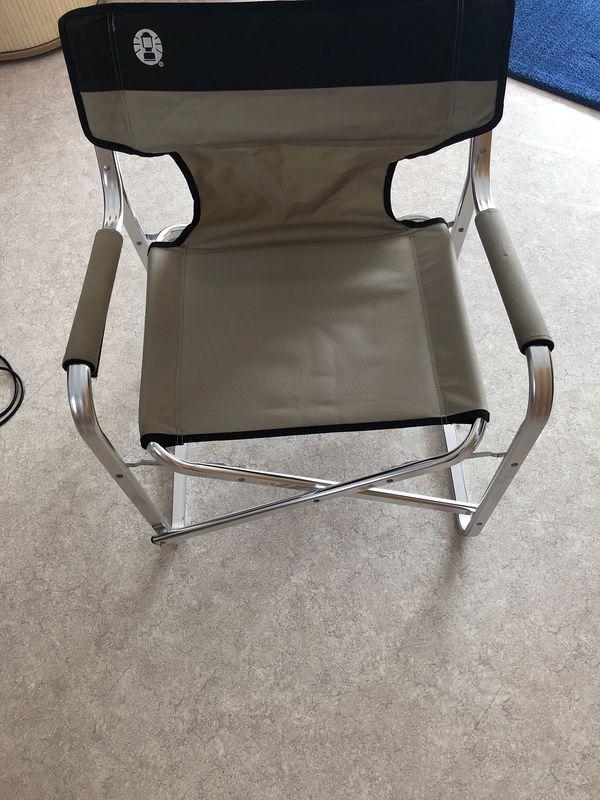 2 Camping Stühle und Tisch
